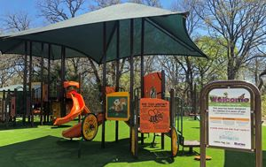 photo of the 2-5 year old play structure at Pecan Orchard Park